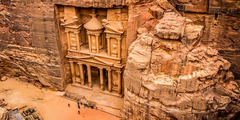 bigstock-Al-Khazneh-treasury-in-Petra-68906377